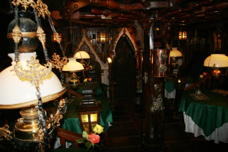 The Galleon Bar at the Highwayman Inn.